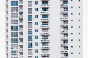 Immeubles blancs